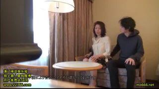 色気ムンムンの美魔女奥様をナンパしてホテルでガチハメSEX!